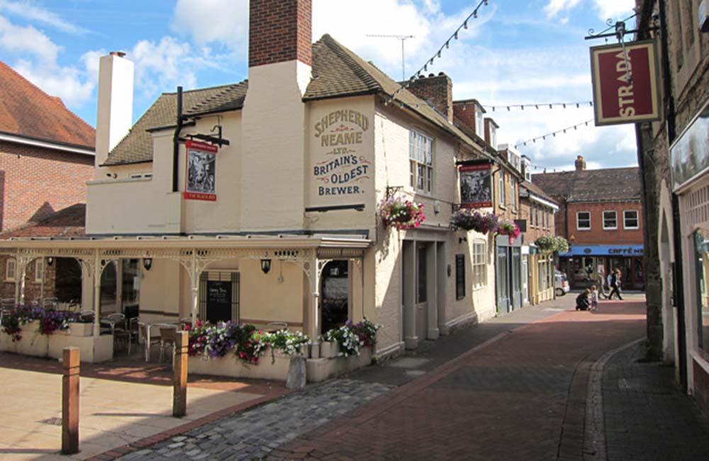View of the Black Boy Pub in Sevenoaks Town Centre